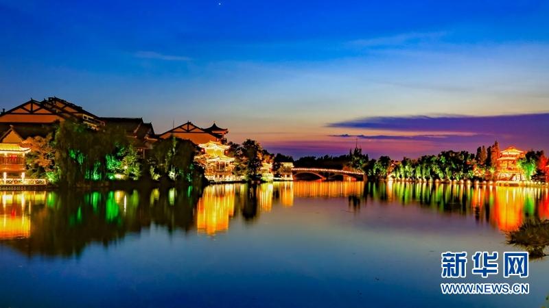 霸屏大片!台儿庄古城的蓝调世界