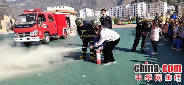 印江县:部门协同开展消防安全演练活动