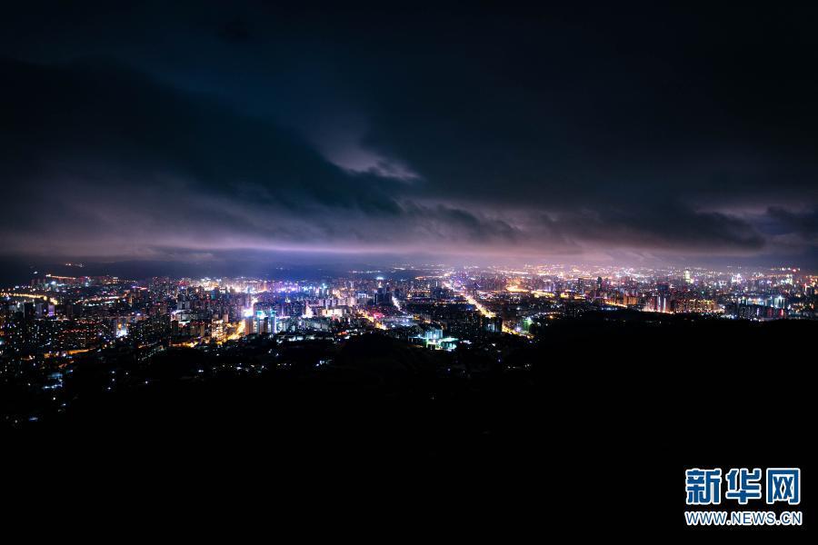 """""""夜经济""""点亮春城城市新生活"""