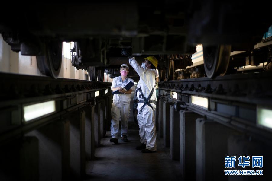通讯:疫情下中国技术人员保障阿根廷城际铁路正常运营