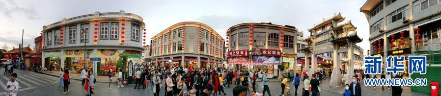 广东潮州古城春节迎游人
