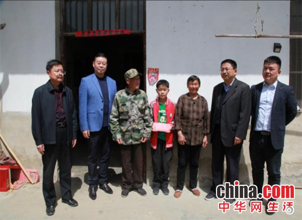 安徽淮南:陶行知教育基金会开展助学捐赠活动