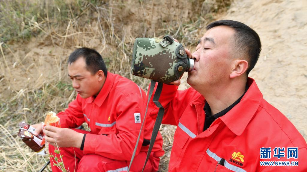 新华全媒+ 900公里的守护