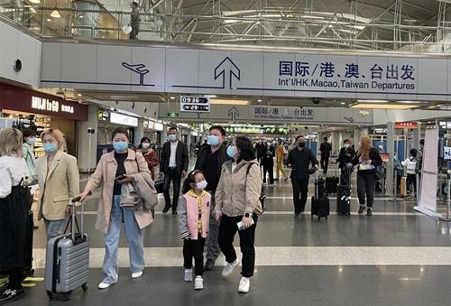 """""""五一""""期间首都机场预计运送旅客近80万人次 日均航班超千架次"""