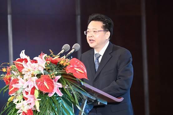 江苏扬中招商大会暨第十八届扬中河豚文化节项目集中签约仪式举行