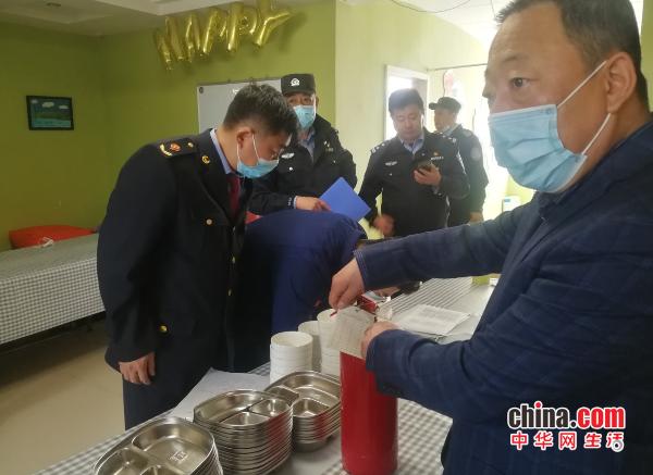 山东烟台:黄海街道小饭桌燃气安全检查