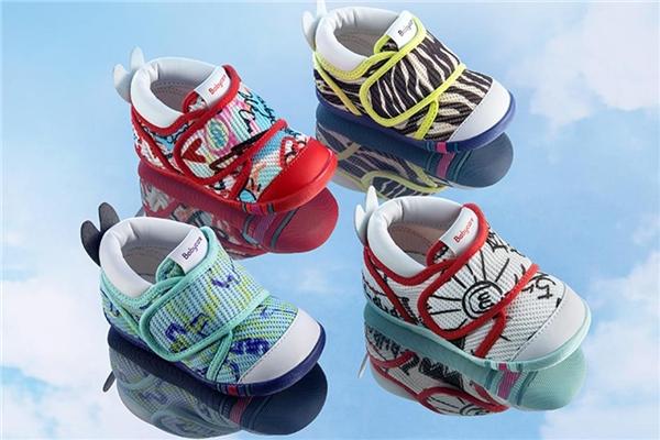 Babycare学步鞋:宝宝学步的好帮手