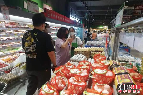 烟台市市场监管局高新区分局开展夏季食品安全监督检查和食品抽检