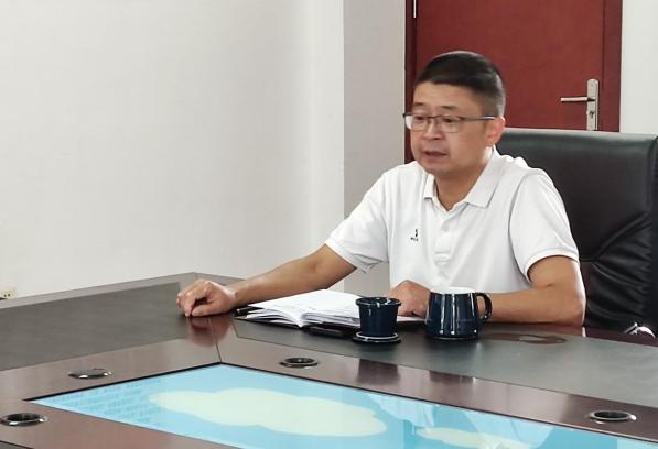 彭州市葛仙山镇政府领导到葛仙山小学进行教师节慰问