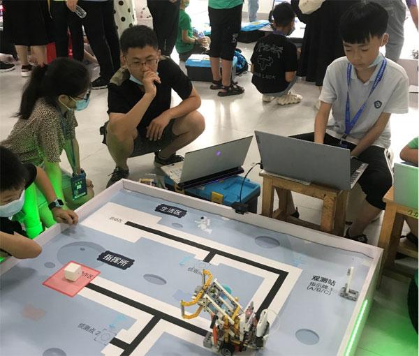 """学府娃征战""""少年硅谷—全国青少年人工智能教育成果展示大赛"""""""