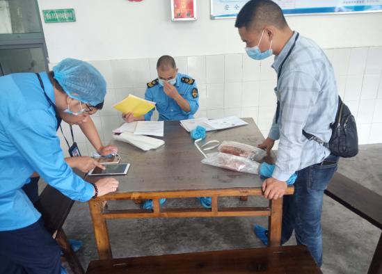 彭州市市场监管局到龙门山学校(幼儿园)进行食堂专项检查