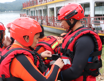 翻船自救提升救援能力