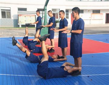 巩固队员基础体能素质,提升遂行应急救援任务能力