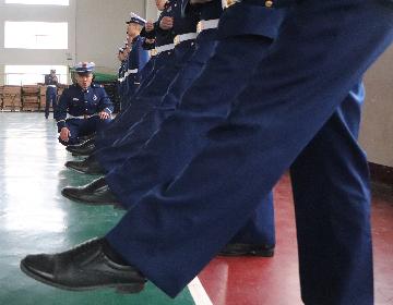 队列训练,展示森林消防员的风采