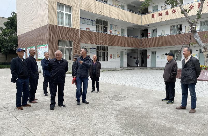 成都市青白江区祥福中学校邀请退休教师回校过重阳活动