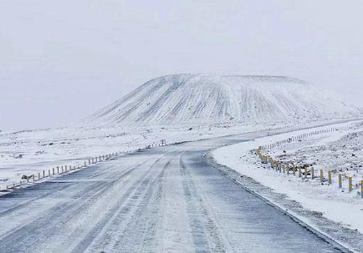 内蒙古8个旗县降特大暴雪 中小学停课