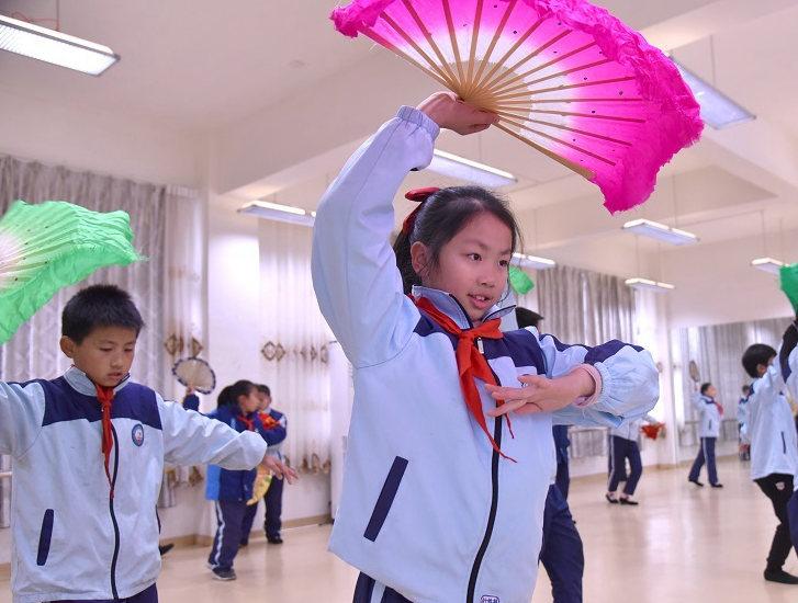江西赣州:采茶童子闹新春