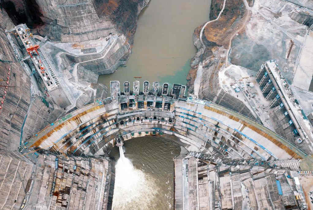 白鹤滩水电站开始蓄水