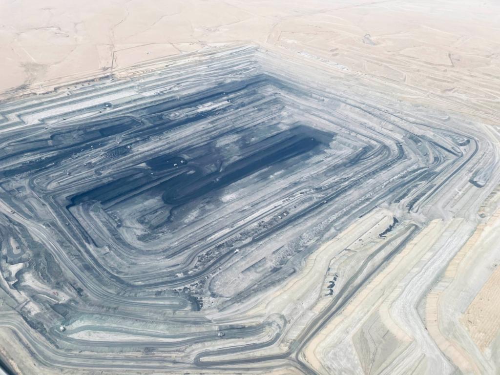 新闻背后的故事|内蒙古涉煤腐败倒查20年,到底查到了啥?