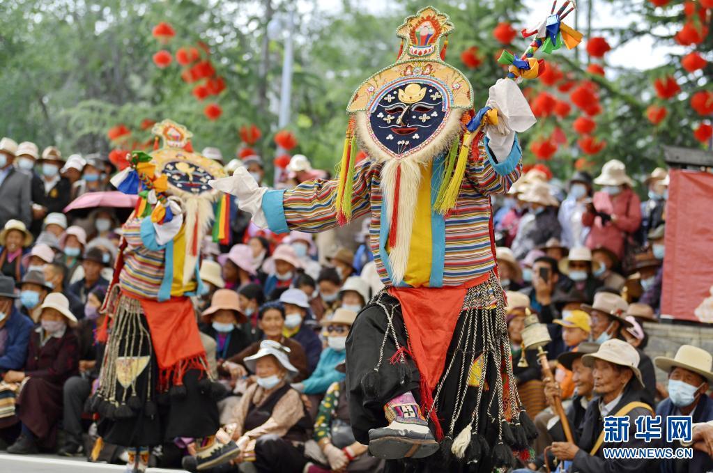 特写:农民藏戏队 唱响拉萨城