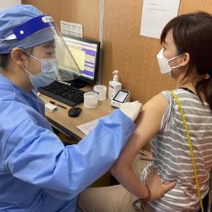 """""""这两针,打的是安心""""——台胞上海疫苗接种记"""
