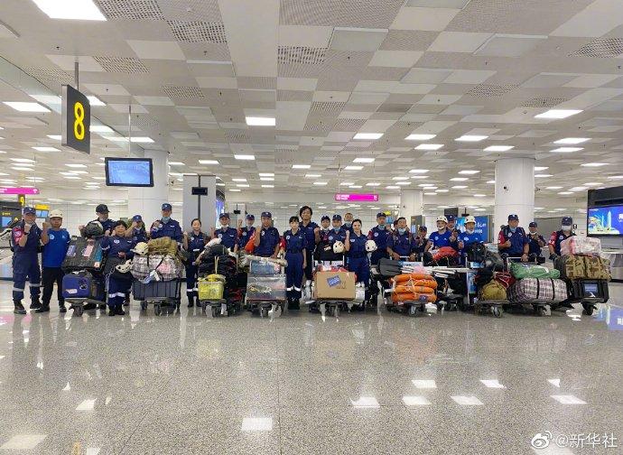 郑州机场紧急疏散3000多名旅客 保障抗洪救灾航班顺利落地