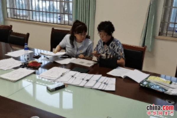 烟台高新区行政审批服务局现场办理商事登记变更业务