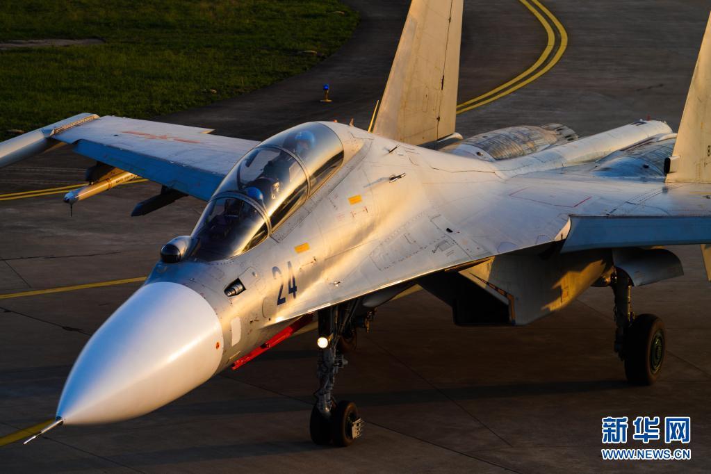 战位:海空一线——海军航空兵某旅聚焦备战打仗记事