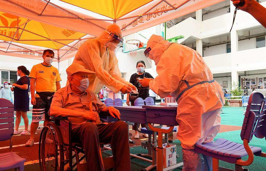 扬州:助老轮椅小分队在行动
