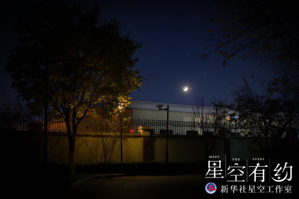 """土木双星伴凸月,初秋天宇将奏响""""星月交响曲"""""""