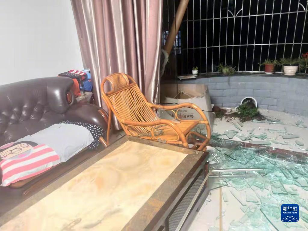 3人死亡88人受伤 紧急转移安置3212人——四川泸县地震救援现场直击