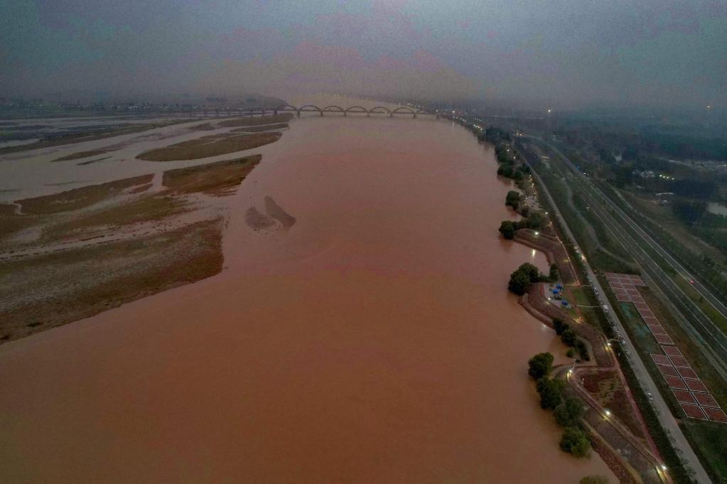 洪水依然汹涌,黄河罕见秋汛如何防?