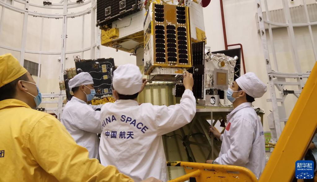 北航负责系统设计和研发的亚太空间合作组织大学生小卫星-1成功发射